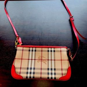 AUTHENTIC BURBERRY CROSSBODY WITH REMOVABLE STRAP!
